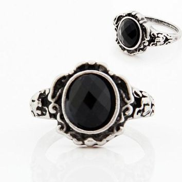Women Ladies Fashion carved Vintage Imitate Black Onyx Ring Jewelry