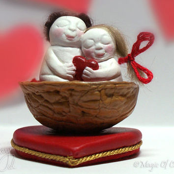Gift idea for your beloved, lovers in a nutshell, OOAK handmade miniature sculpture