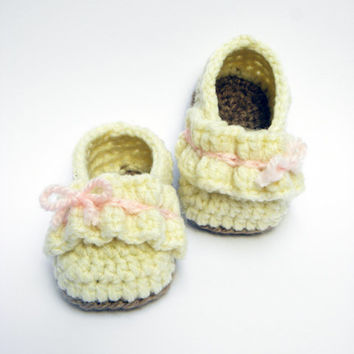 Ruffle Ballet Flats/ Baby Girls Shoes/ Crocheted Baby Booties/ Newborn/ Infant Shoes/ Baby Slippers/ Baby Gift/ Size: 0-3 months