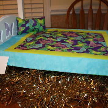 """American Girl sized, reversible doll bed quilt 16.5"""" x 19"""" with matching pillow 4"""" x 6.5"""""""