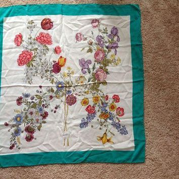 CREYON Pre-owned, Authentic Gucci silk scarf with floral design