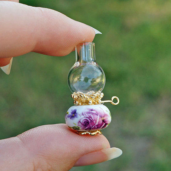 Pink Roses Dollhouse Miniature Oil Lamp From Jellybean Minis