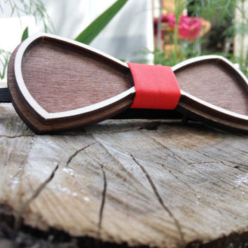 Free Shipping Wooden Bow Tie Wood Bow Tie Unique Design Engraved Boys Bowtie Wood Bowtie Wooden Bowtie Mens Bow Tie 100% Hand Made Mens Gift