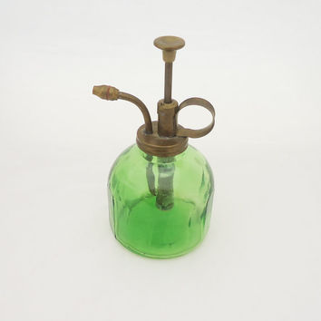 Vintage Green Glass Perfume Bottle, Vintage Green Glass Perfume Bottle with Atomizer, Perfume Bottle with Brass Pump