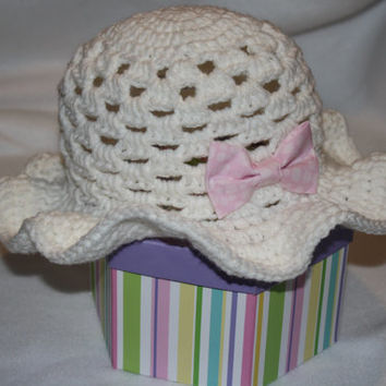 White Baby Sun Hat with Pink or Blue Bow- summer baby, baby hat, Easter Hat, photo prop, baby shower gift