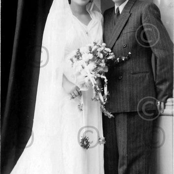 Digital Download, Vintage 1950 Wedding portrait, Marriage Photo, Black White Photo, Lovers photo, Midcentury photo Printable Photo, Snapshot