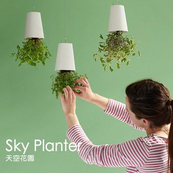 Free Shipping 1Piece Sky Planter Upside Down Plant Pot Hanging Flower Pot Indoor Suspension Pot