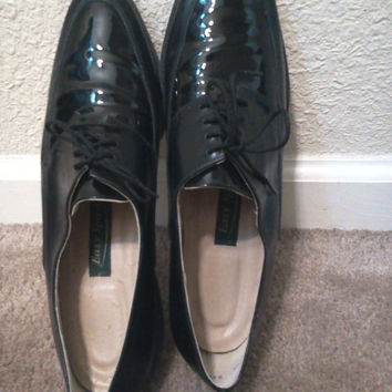 Leather Lace Up Loafers Womens size 9