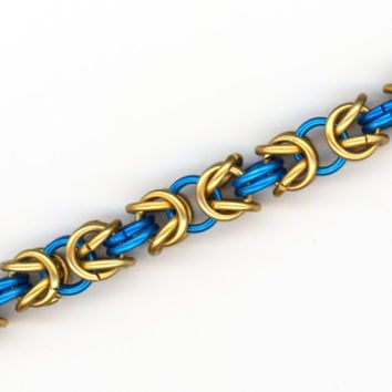 Bracelet Blue and Gold Rings Byzantine Chainmaille by Lehane