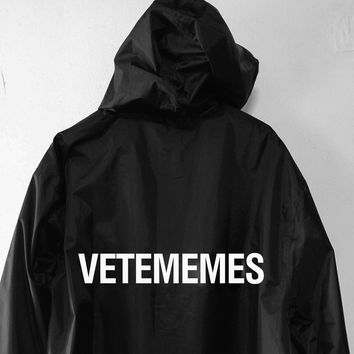 VETEMEMES RAINCOAT