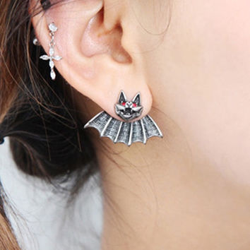 2015 New Fashion Crystal Punk Piercing Stainless Steel Bat Batman Logo Ear Studs Earrings (Color: Silver) = 1928026116