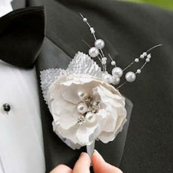 Chic and Shabby Boutonniere