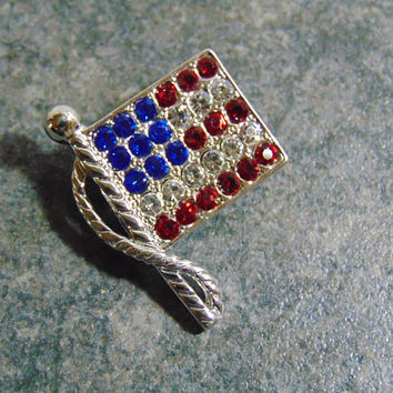 USA Flag Red Clear Blue Rhinestones Silver Tone Pole Brooch Pin Lapel