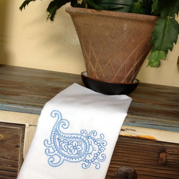 """Set of 4 Paisley Embroidered Cloth Napkins 20"""" Hemstitch Cotton or Matte Poly / embroidered napkins / embroidered paisley napkins"""
