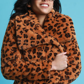 Faux Fur Leopard Oversized Collar Jacket | UrbanOG