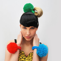 UTHA pom-pom hair bobble / hair accessories