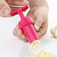 Creative Garlic Crusher/Presses Practical Kitchen Cooking Tools Random Color