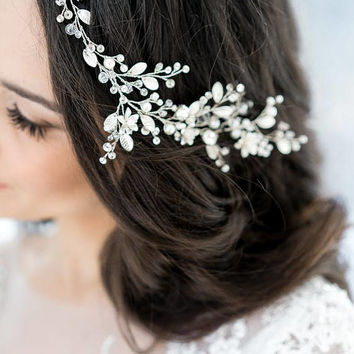 Crystal Decorated Wedding Bridal HeadBand HeadPiece Bridal Halo Bridal Hair Vine Tiara Diadem Veil Chaplet Bridal Hairpiece