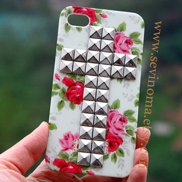 Vintage White Pink  Flower Rose Cross silver Studded  iPhone 4/4S case