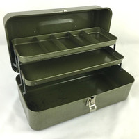Army Green Metal Tackle Box with Trays Lockable Vintage Fishing Gear Storage Box Industrial Rustic Green Tool Box Art Supply Box