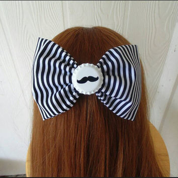 Mustache hair bow / Moustache hair bow / hair bow / Mustache / Moustache / girls hair bow / Girls hair bow clip / fabric bow / girls clip