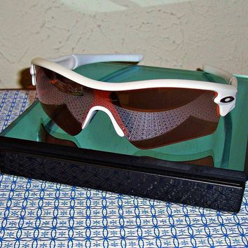 NEW OAKLEY MEN'S RADAR PATH 09-703 WHITE WRAP SUNGLASSES