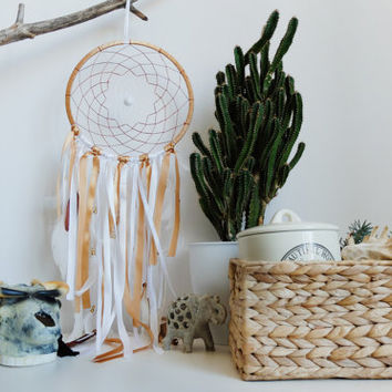 White Dreamcatcher, White and Gold, Bohemian dreamcatcher, Boho style, Wall decor, Room Decor, Dreamcatcher, Handmade, Native America Decor