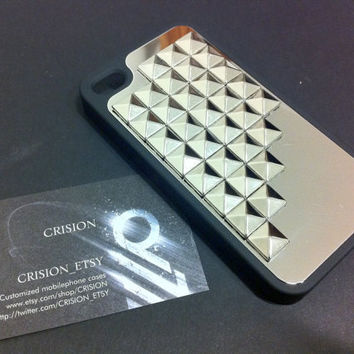 Iphone 4 / 4S studded black case with silver pyramid by CRISION
