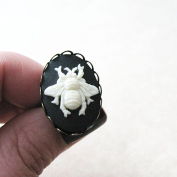 Queen Bee Black and White Adjustable Ring
