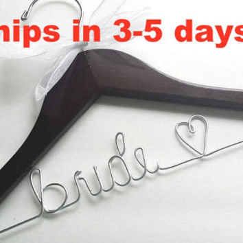 Personalized Wedding Hangers / Wedding Hangers / Bridal Hanger / Bridal Party Hangers / Bride / Bridesmaids / Ships in 3-5 Days