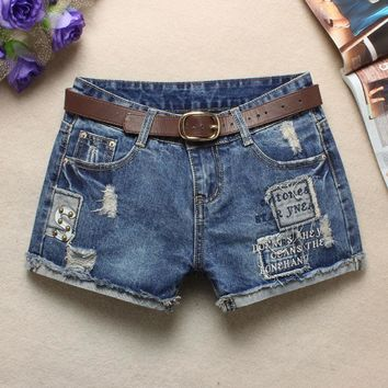 2017 summer new female jeans shorts worn skinning land grab washed blue hole cuffs shorts Sexy Hip Hop Patch Women Shorts Z2238