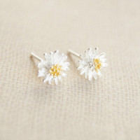 925 Sterling Silver earrings,little daisy earrings,tiny daisy silver earring studs
