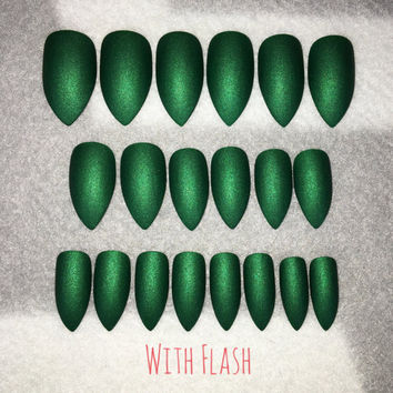 Green Matte Fake Nails * Faux Nails * Glue On Nails * Emerald Green * Stiletto Nails * Matte Nails