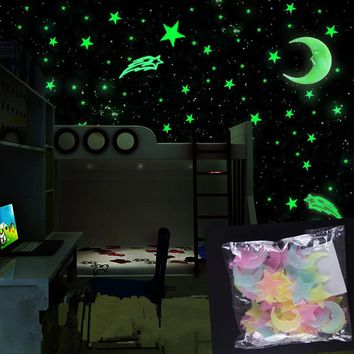 100Pcs/set Night luminous Moon Star Stickers Light Up Glow In The Dark
