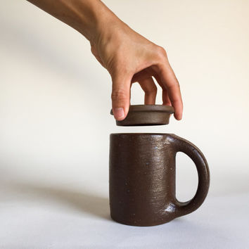 LIDDED MUG Brown Army Green 12 oz, ceramic, pottery, handmade, coffee, tea, hot, cocoa, chocolate, milk, water, chai, latte, juice, beer