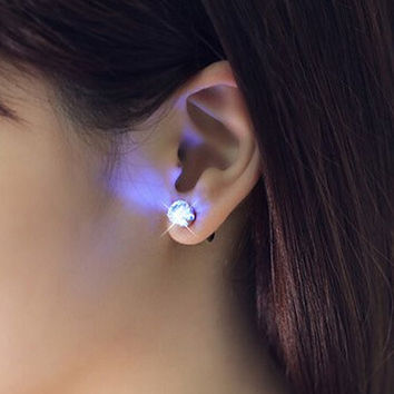 One Pair Shiny Glamor Light Up Led Earrings Studs Fashion Casual Party Xmas