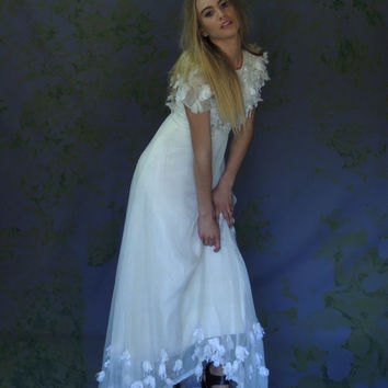 Charming vintage 1940s wedding gown / long white tattered chiffon satin appliqué detailed sweetheart bridal dress