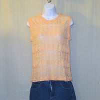 Vintage 70s SHEER KNIT TOP Peach Cute Stylish Women Small Medium Shell Pattern Acrylic Sleeveless Shirt