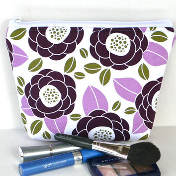 Makeup Bag/Zippered Padded Pouch Flat Bottom in Amethyst Floral