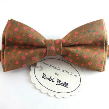 Bow Tie - floral bow tie - wedding bow tie - light brown bow tie with pink flowers - man bow tie - flowers bow tie - men bow tie