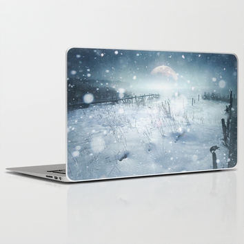 When she turned on me Laptop & iPad Skin by HappyMelvin