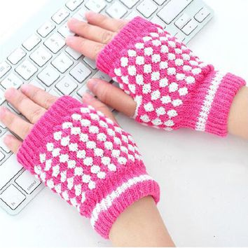 Hot Selling Winter Warm Knitted Fingerless Gloves Pineapple Pattern Half Finger Gloves Mittens Women Fashion Accessory Gifts