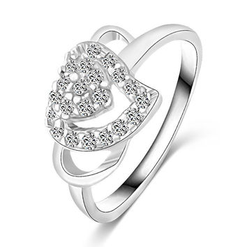 Fashion White Gold Plated Jewelry Love Rings Heart Design Female Ring with Micro Paved CZ Stones for Party and Dating