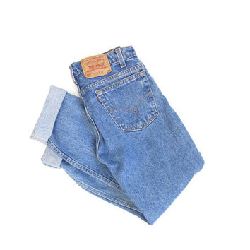 Vintage Levis Jeans -- Levis 505 Straight Leg Regular Fit -- High Waisted Levis -- Medium Blue Wash -- Made in USA -- 30 x 30
