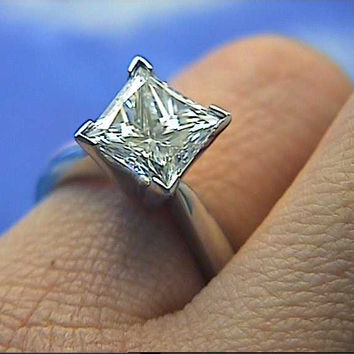 2.01ct F-VS2 Princess Cut Diamond Engagement Ring 18kt White Gold GIA EGL certified