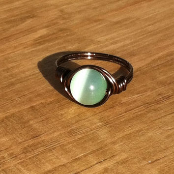 Mint Green Cats Eye Wire Ring, Fiber Optic Glass Catseye, Light Green Nontarnish Copper Ring