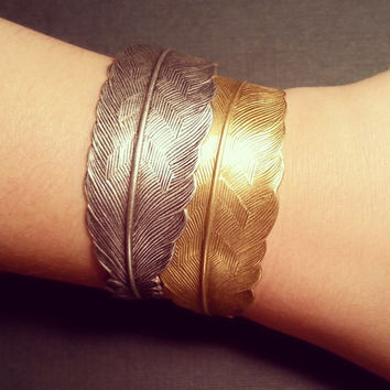 Gold or Silver Feather Bracelet