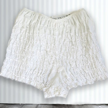 Vintage Bloomers, White Color, Size Small, Size Medium, 1970's Bloomers, Lingere, Lace Bloomers, Ruffles