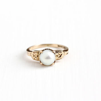 Vintage 10k Rosy Yellow Gold Cultured Pearl Solitaire Ring - Size 5 3/4 Art Deco 1940s Floral Flower Etched Fine June Birthstone Jewelry