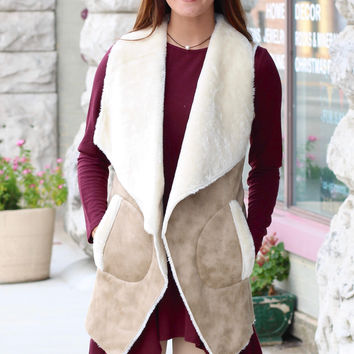 Oil Finish Faux Sherpa Vest {Taupe Mix} - Size SMALL